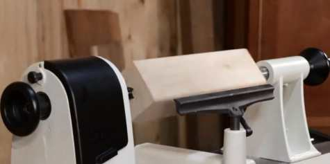 A JET JWL wood lathe used by a woodworker for making turning bowl project
