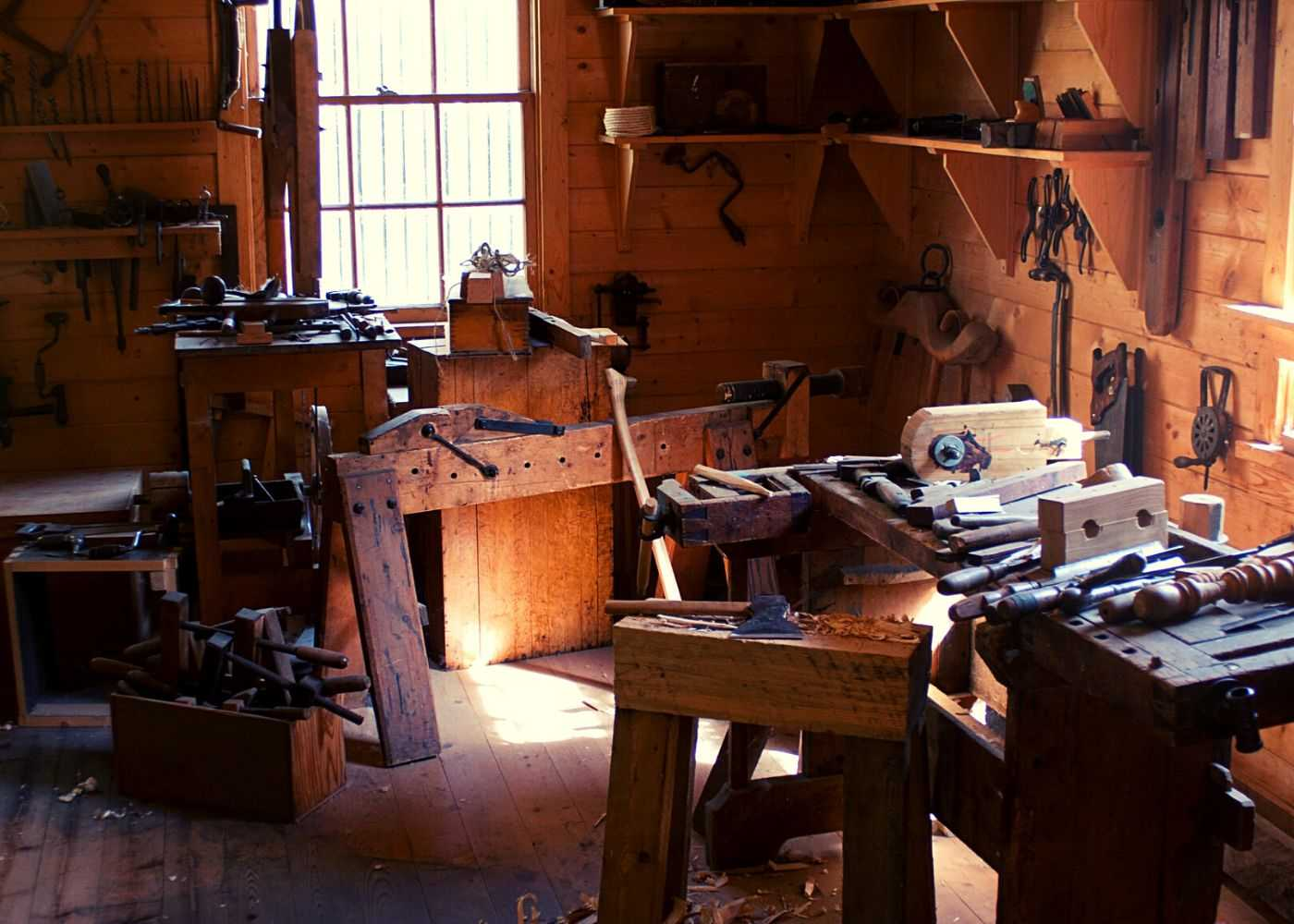 A woodworking space to craft wood lathe ideas