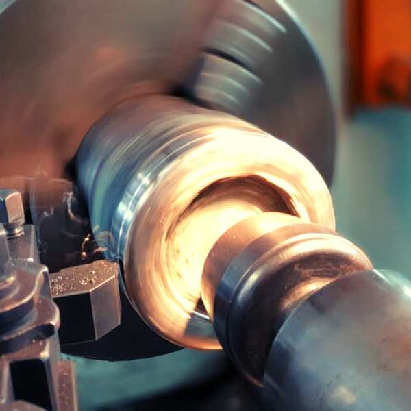 How to Use a Faceplate on a Wood Lathe