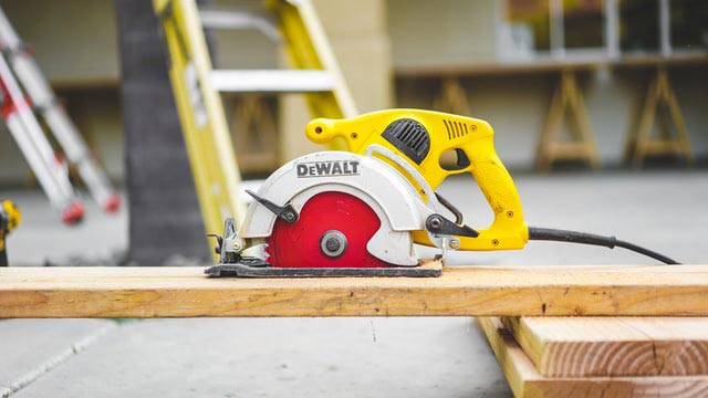 How to Choose a Budget Band Saw